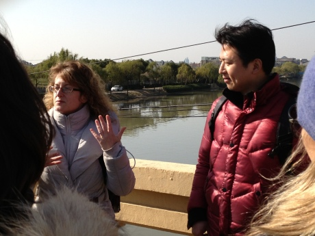 Tracy and her partner Michael of Shanghai Tea Treks giving history of migrant village of SanQiao