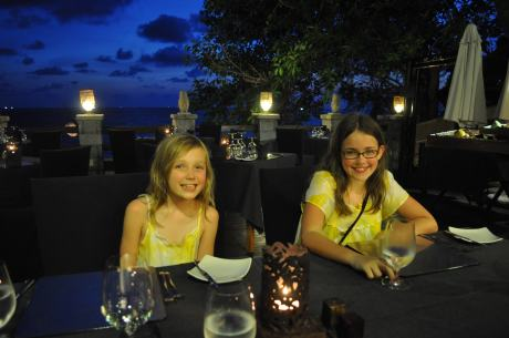 Last night dinner in Phu Quoc with beautiful sky in the background....sigh.