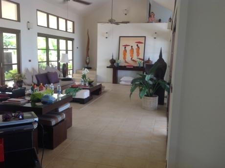 Stephanie upstairs in Baan Sawan