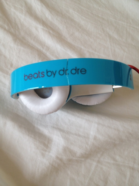 The Dr. Dre Beats in question, and the crack….
