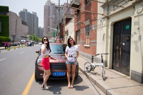 Jill and Di Di, the Shanghai Brew Girls, getting ready to start a beer party on the Bund.